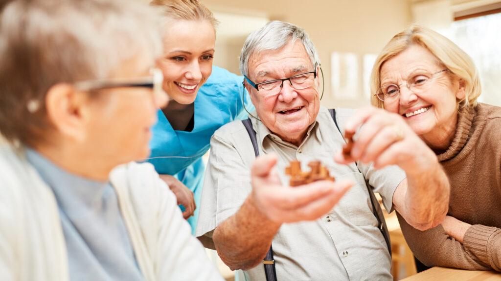 Soziale Kontakte Demenz, Kontakte mit anderen Menschen bei Demenz