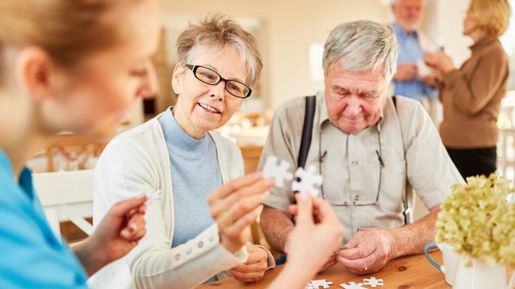 Zusammenarbeit Pflege und Angehörige Demenz, Demenzerkrankte benötigen Vertrauen und Sicherheit, Positiv leben mit Demenz